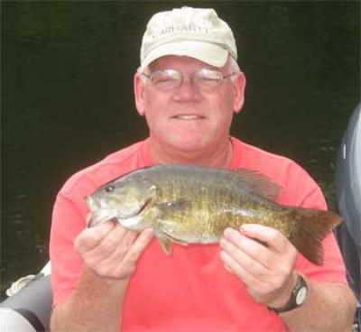 numbers of smallmouth bass fishing lodges in canadian lakes