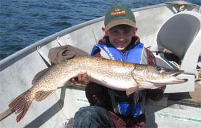 Kids Fishing for BIG Northern Pike in Canada at Lodges