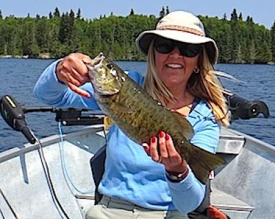 Sun and Fun Fishing For BIG Smallmouth Bass at Fireside Lodge in Canada