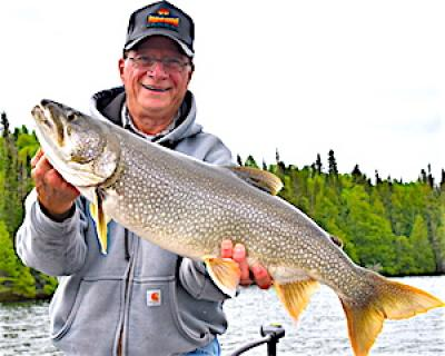Beauty Lake Trout Fishing at Fireside Lodg ein Canada