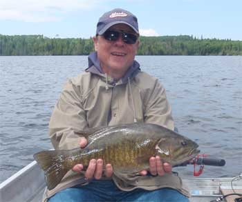trophy smallmouth bass fishing lodge