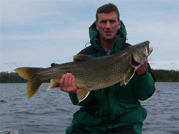 trophy lake trout lodges in ontario canada