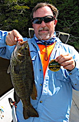 20.5-inch Trophy Smallmouth Bass Fishing by Dan at Fireside Lodge in Canada