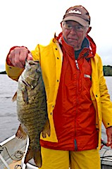 20-inch Trophy Smallmouth Bass Fishing by Jack at Fireside Lodge