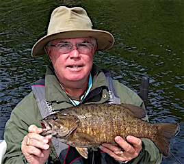 Smallmouth Bass with BIG Girth Fishing by Ralph Dusing