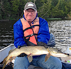 BIG Northern Pike with the BAT Lure Fishing by Tom Annear