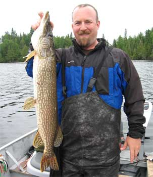 northern pike fishing deluxe cabins