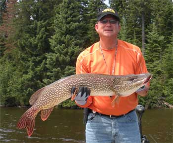 fishing trophy pike at lodges in canada