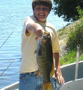 smallmouth trophy fishing in ontario