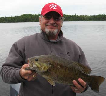 giant trophy smallmouth bass fishing lodge in canada