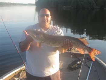 fishing with canada lodging for trophy pike