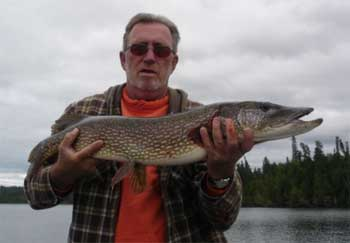 canada fishing northern pike lodges