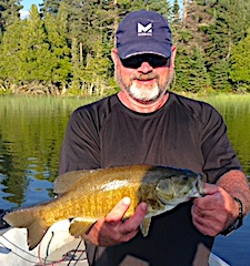 Super Smallmouth Bass Trophy Fishing by Dennis at Fireside Lodge in Canada
