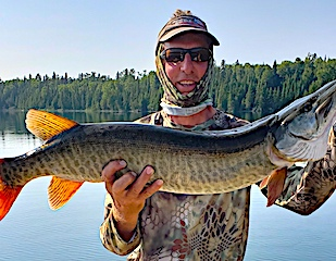GREAT Muskie Catch by Steve Surface Fishing at Fireside Lodge in Canada