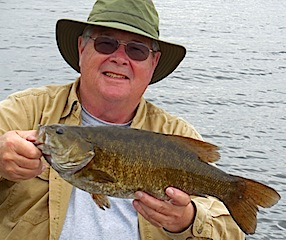 20-inch Trophy Smallmouth Bass Fishing by Doug at Fireside Lodge