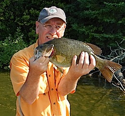 20-inch Trophy Smallmouth Bass Fishing at Fireside Lodge by David
