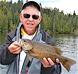 BIG Smallmouth Bass Fishing at it's Best