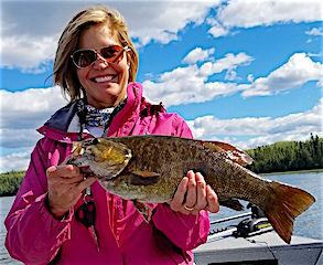 GREAT Smallmouth Bass Catch by Kim Thomison Fishing at Fireside Lodge
