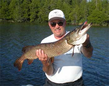 trophy northern pike lodge in ontario