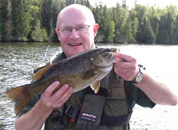 Trophy Smallmouth Bass 1st Time Fishing Smallmouth Bass in Canada from England