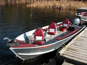 Ontario lake fishing boat resort